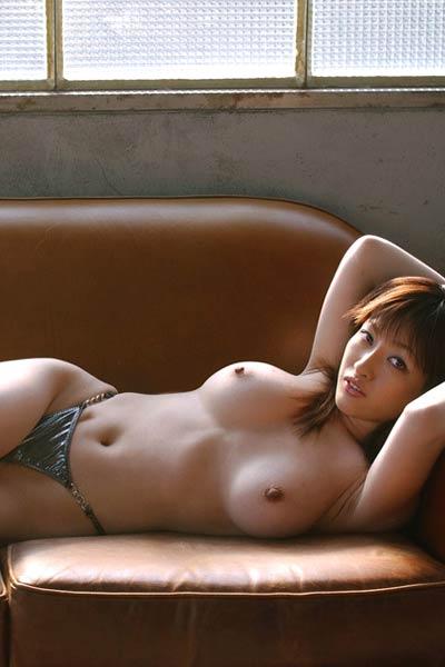 Model Sakura Shiratori in Showing