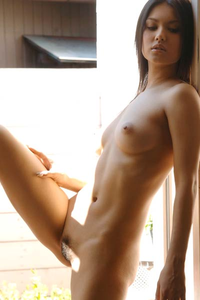 Model Maria Ozawa in Lovely Asian babe