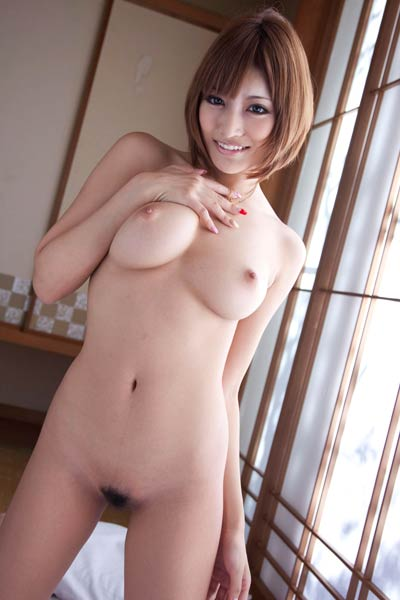 Model Kirara Asuka in Take It All Off