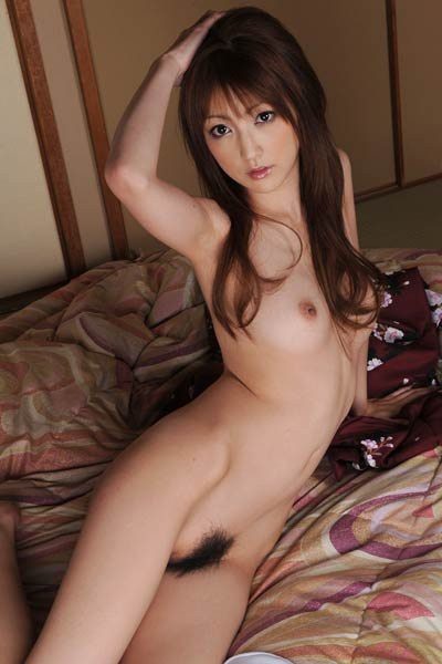 Model Kaede Matsushima in Come To Bed