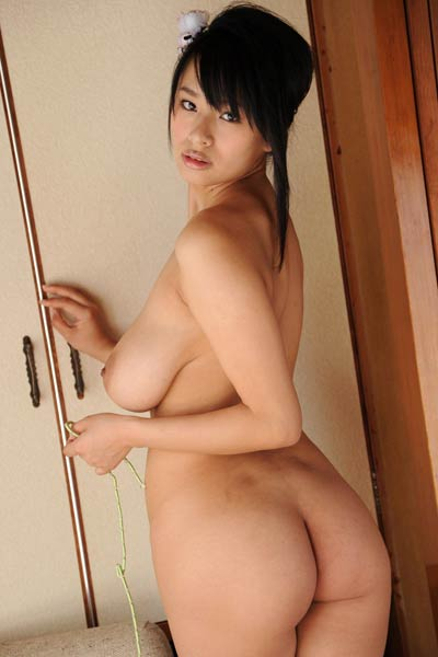 pregnant-girls-japanes-model-nude-picture