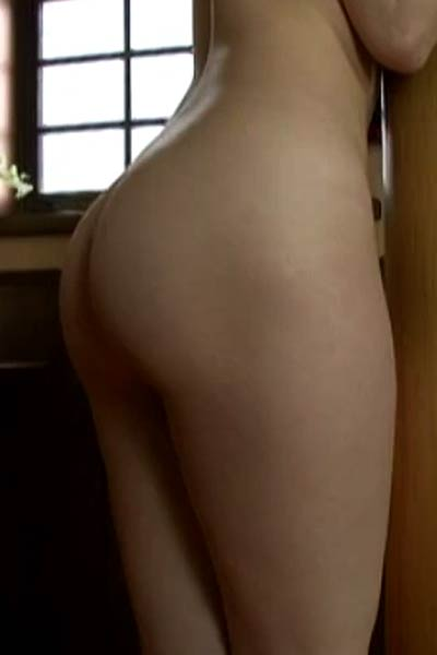 Model Yoko Nagisano in Married Wife Of A Western Style Scene 3