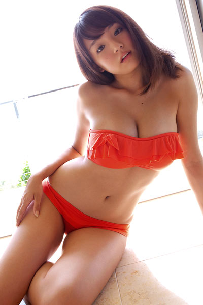 Model Ai Shinozaki in Ai Size Up