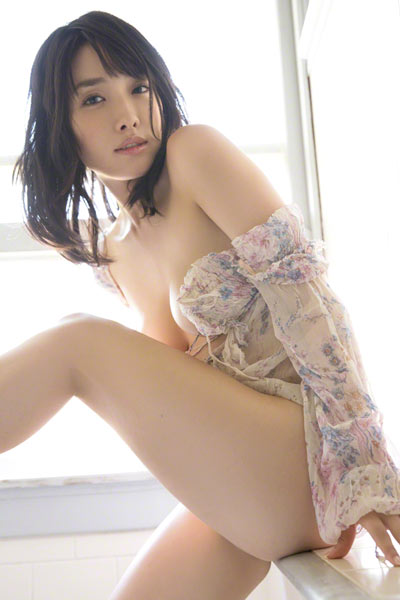 Model Anna Konno in Candy Beach