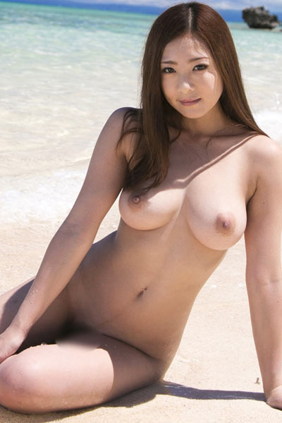 Model Minori Hatsune in Busty Skies 1