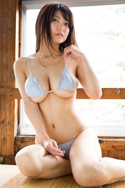 Model Miri Hanai in How About These